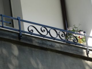 Kwietnik – balkonetka