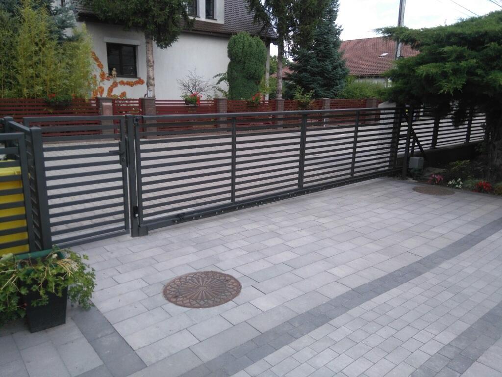ogrodzenia nowoczesne panelowe brama przesuwna