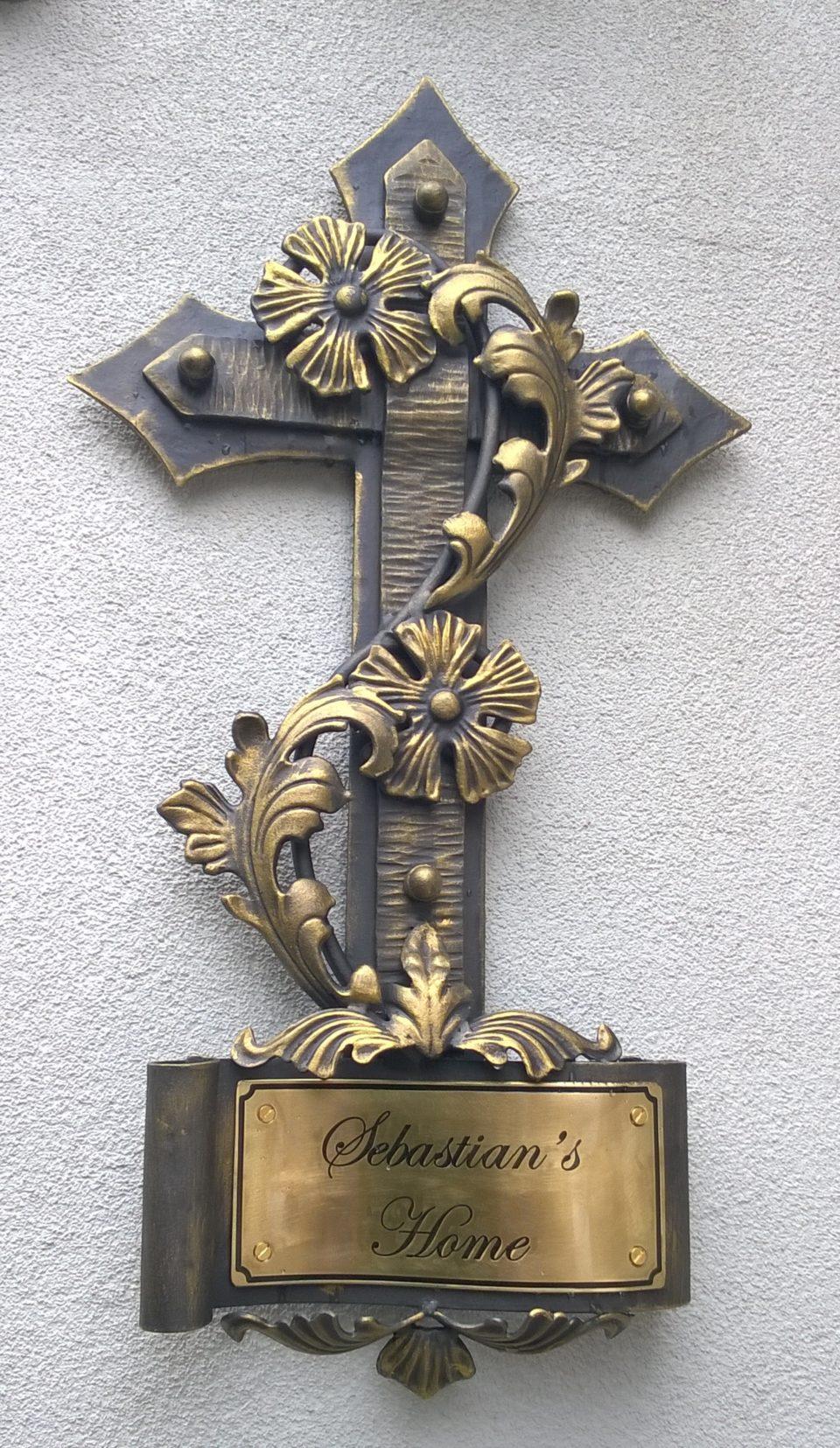 krzyż kuty kowalstwo metaloplastyka katafalkowy cmentarny dekoracyjny